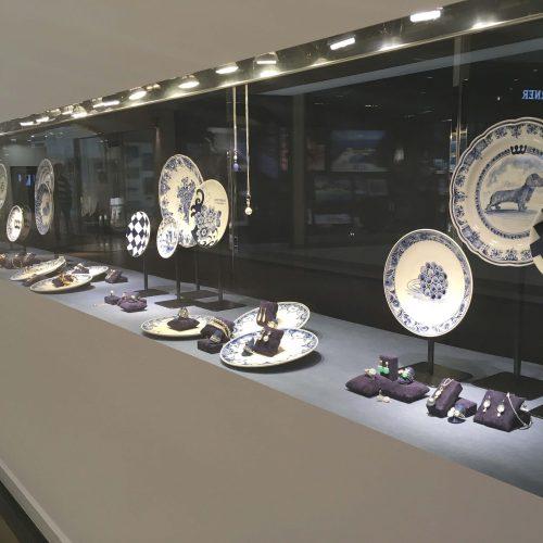 delftsblauw etalagemateriaal juwelier
